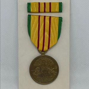 Republic of Vietnam Service Pin Metal